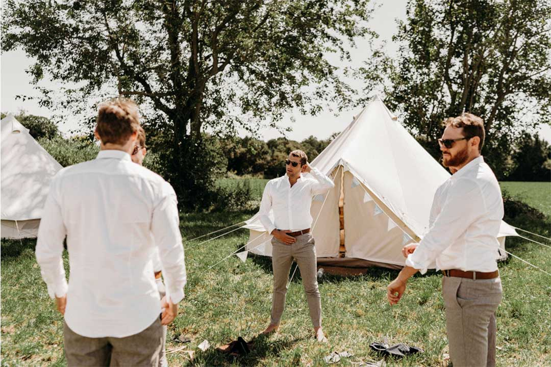 wedding camping bonne ambiance invite partage complicite mariage